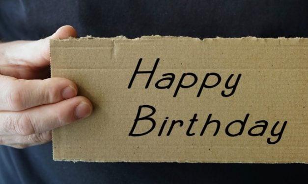 Sådan kan du sende en fødselsdagshilsen